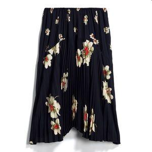 Vince Gardenia Pleated Skirt